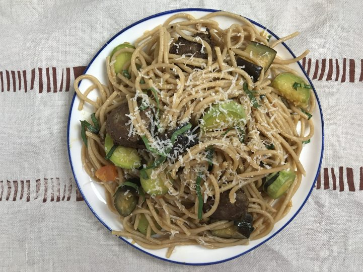 veggie pasta with meatballs